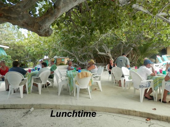 Pirates Point Resort: Lunch time