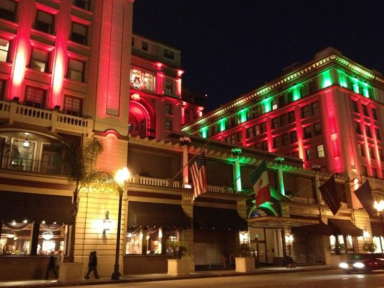 THE US GRANT, a Luxury Collection Hotel, San Diego: Night View of Hotel