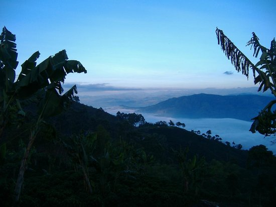 Colombia: Typical Stunning veiw from the Alta Cauca road above the town