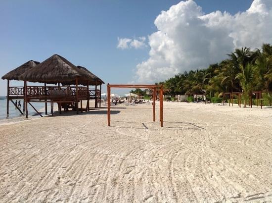 El Dorado Maroma, by Karisma: awesome beach