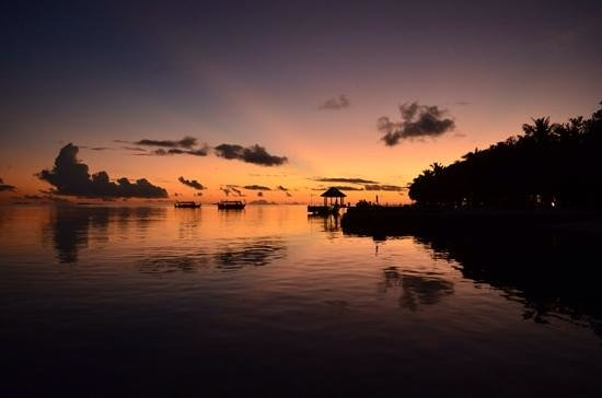 Lily Beach Resort & Spa: peaceful sunset