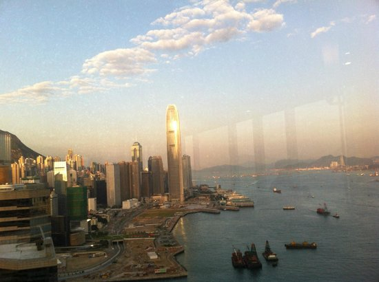 Renaissance Hong Kong Harbour View Hotel: view from the Executive Floor Lounge