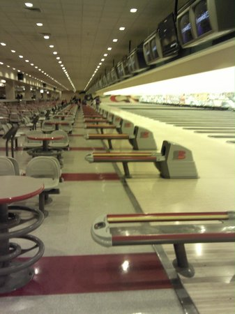 The Orleans Hotel & Casino: Biggest Bowling Alley I've Ever Seen, and Reasonably Priced!