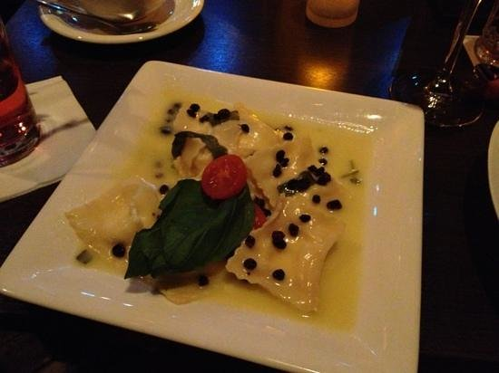 Chamaeleon Theater: Ravioli with truffles and goat cheese