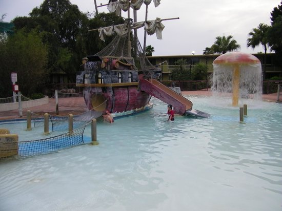 Clarion Hotel & Conference Center: pirate kids pool