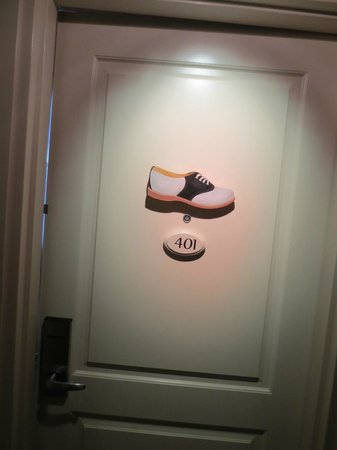 Craddock Terry Hotel: Door to 401 (showing close-up of shoe)