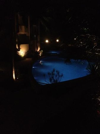 Montpellier Boutique Resort: surrounds at night