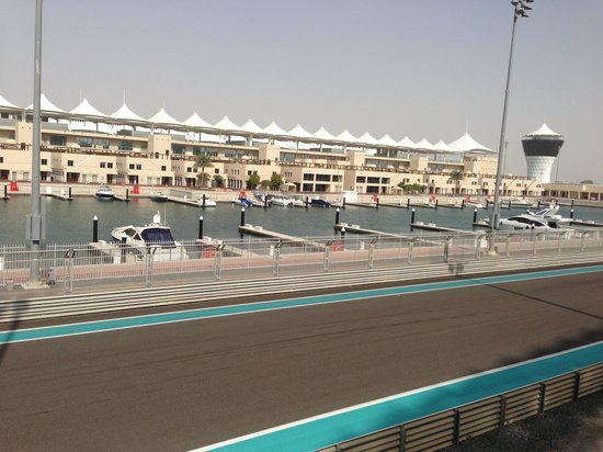 Yas Marina Circuit: Yas marina & part of F1 track