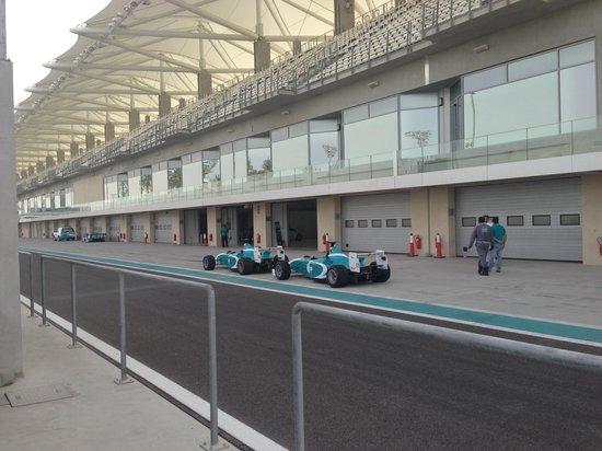 Yas Marina Circuit: Pit lane