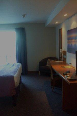 Premier Inn Southampton Airport Hotel: Room ..