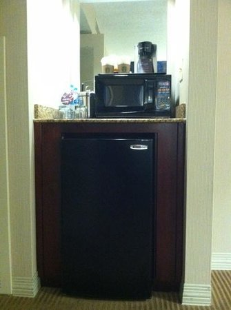 Sheraton Suites Columbus: Micro fridge & microwave