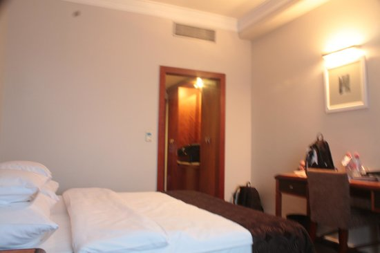 Jalta Boutique Hotel: our bedroom - room 605