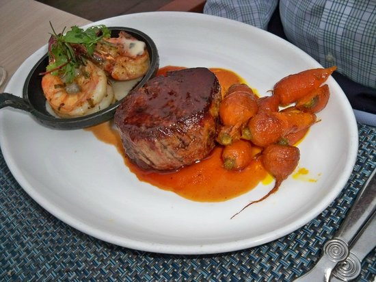 Coronado Sheerwater Restaurant: Entree:  Surf and turf