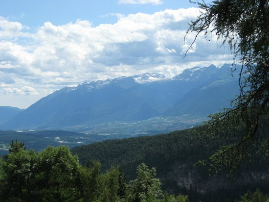 Le Ciaspole : View Of The Val di Non