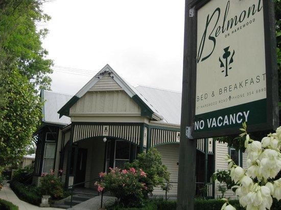 Belmont on Harewood: Front Entrance
