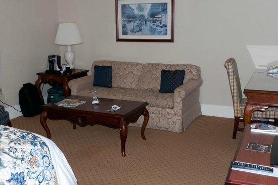 Historic Hotel Bethlehem: Nice size room