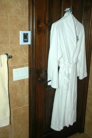 Au Petit Marigot: soft... very soft bathrobes:)