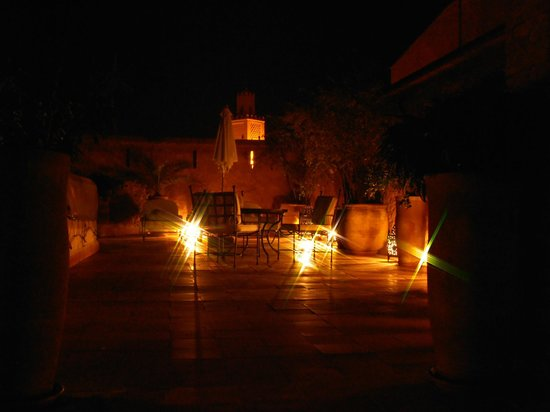 Riad Altair: Roof terrace with views across the city.