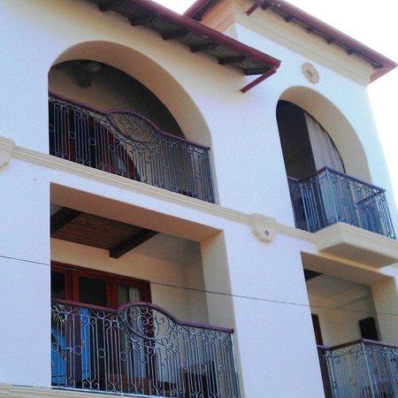Hotel Alcazar: Frente del Edificio del Hotel