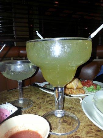 El Tejado Mexican Restaurant: Giant Margarita