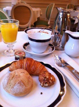 Hotel Luxembourg Parc: Breakfast