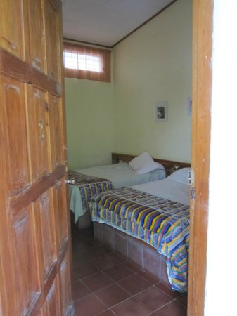 Hotel & Restaurant Guancascos: Typical two-bedded room