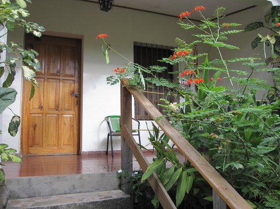 Hotel & Restaurant Guancascos: Lush foliage and flowers abound