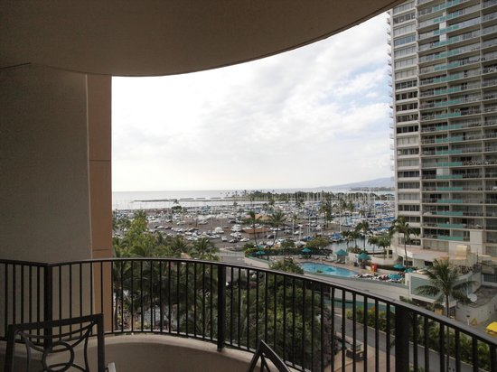 Hilton Grand Vacations at Hilton Hawaiian Village: 西側の眺望