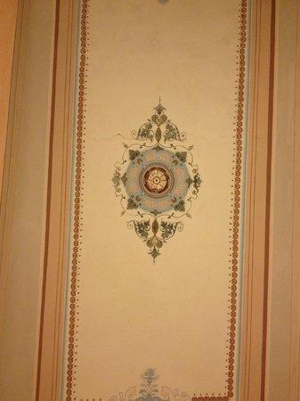 Palazzo dal Borgo Hotel Aprile: Camera 11: Soffitto1