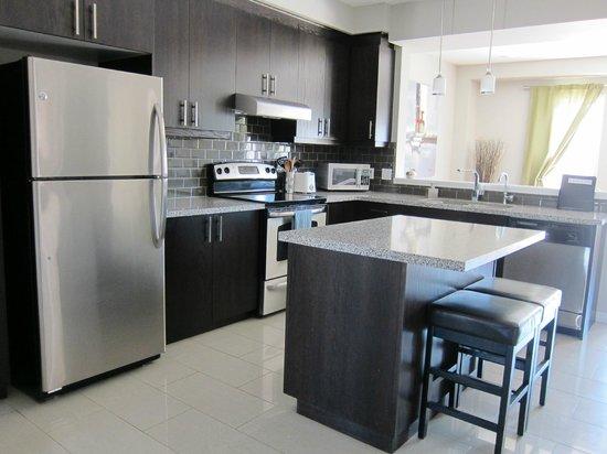 Boardwalk Homes Executive Guest Houses & SUITES!: kitchen