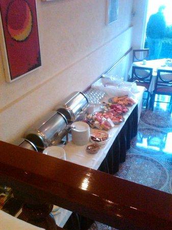 هوتل دل برينسيبادو: Buffet Desayuno 