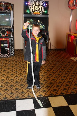 Ramada Tropics Resort / Conference Center Des Moines: The arcade is a blast to!