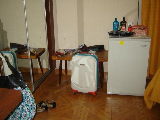 Hotel Tropical: la heladera no tenia para poner unos cubitos con el calor que hace y el aire solo en 24