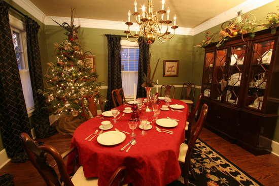 ‪‪Sidwell Friends Bed and Breakfast‬: Dining Room at Christmas‬