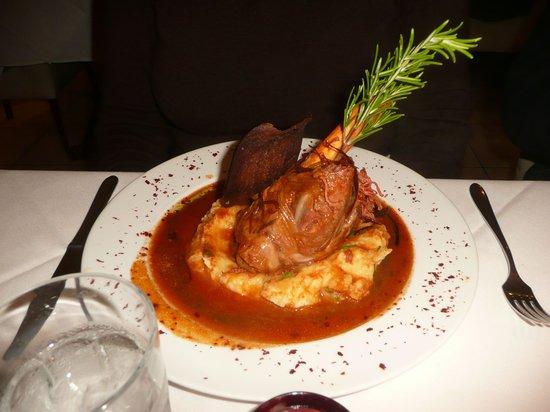 Denis Restaurant: Lamb shank