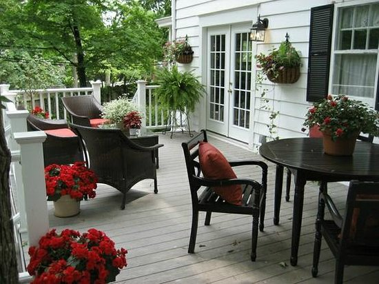 Sidwell Friends Bed and Breakfast: Deck