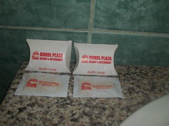 Bohol Plaza Resort : Soap