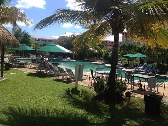 Coco Palm Resort: gardens