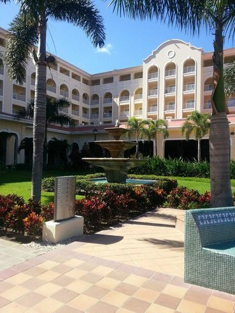 Hotel Riu Guanacaste: view from the courtyard