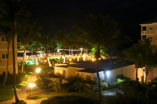 Alexandra Resort: Night