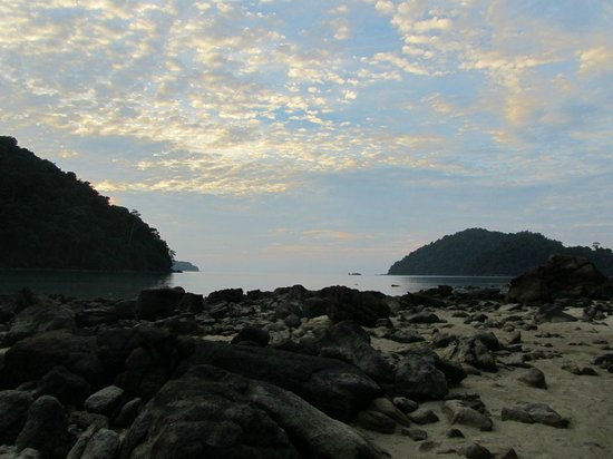 Mu Ko Surin National Park: Sunset on the island