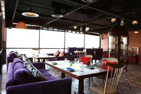 loft style - picture of the garret secret bistro bar, bangkok