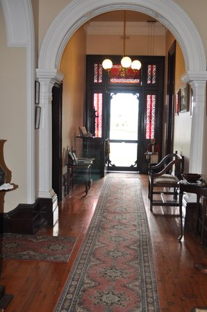 Lochinvar House B&B: Lochinvar House - Victorian hallway
