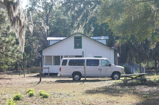 Cumberland Island, Georgien: The van that you take the tour in