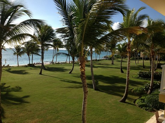 Tortuga Bay, Puntacana Resort & Club: grounds in front of the villa