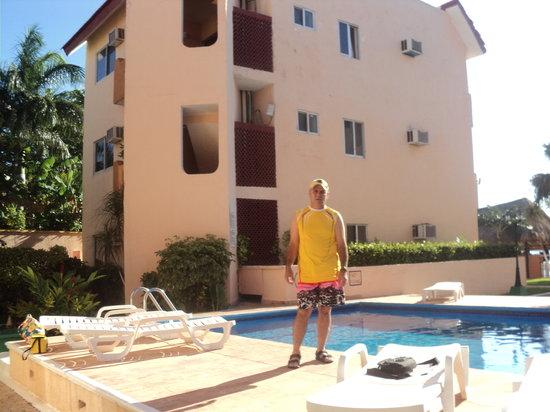جراند رويال لاجون: En la piscina 