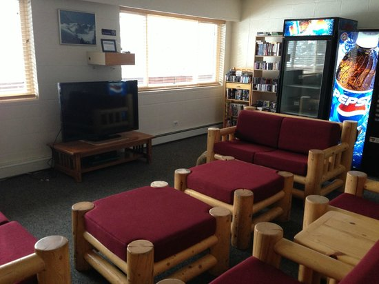 Brighton Lodge: Rec room with cooler and microwave, TV & VHS player