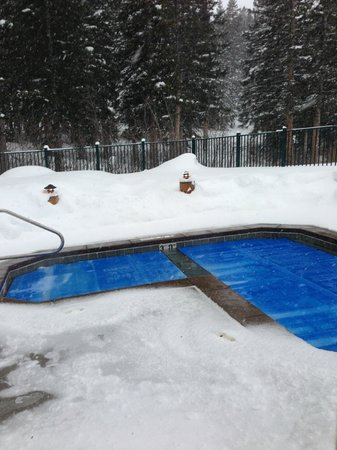 Brighton Lodge: Outdoors hottub