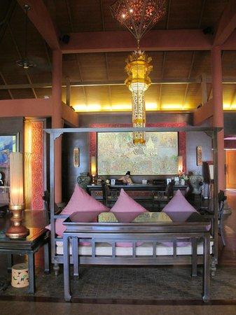Siripanna Villa Resort & Spa: Reception desk