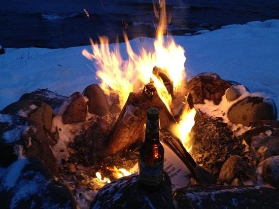 Grand Superior Lodge: Fire and a beer lake side.